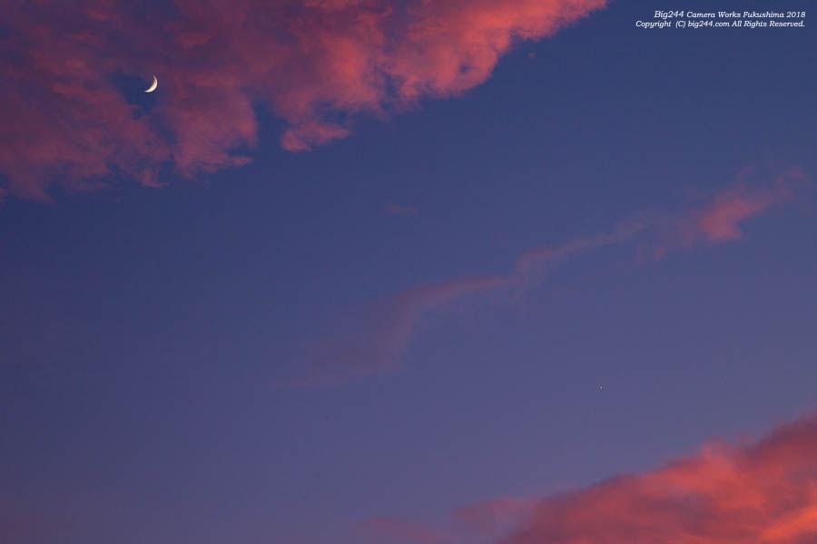 2018-07-17_夕焼けと月と金星